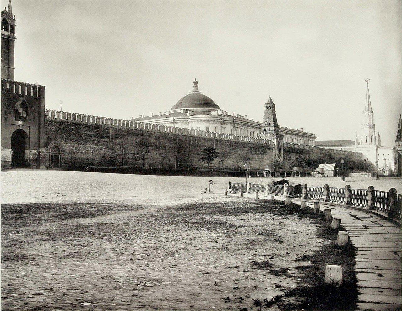 336. Кремль. Вид Кремлевской стены и Судебных установлений