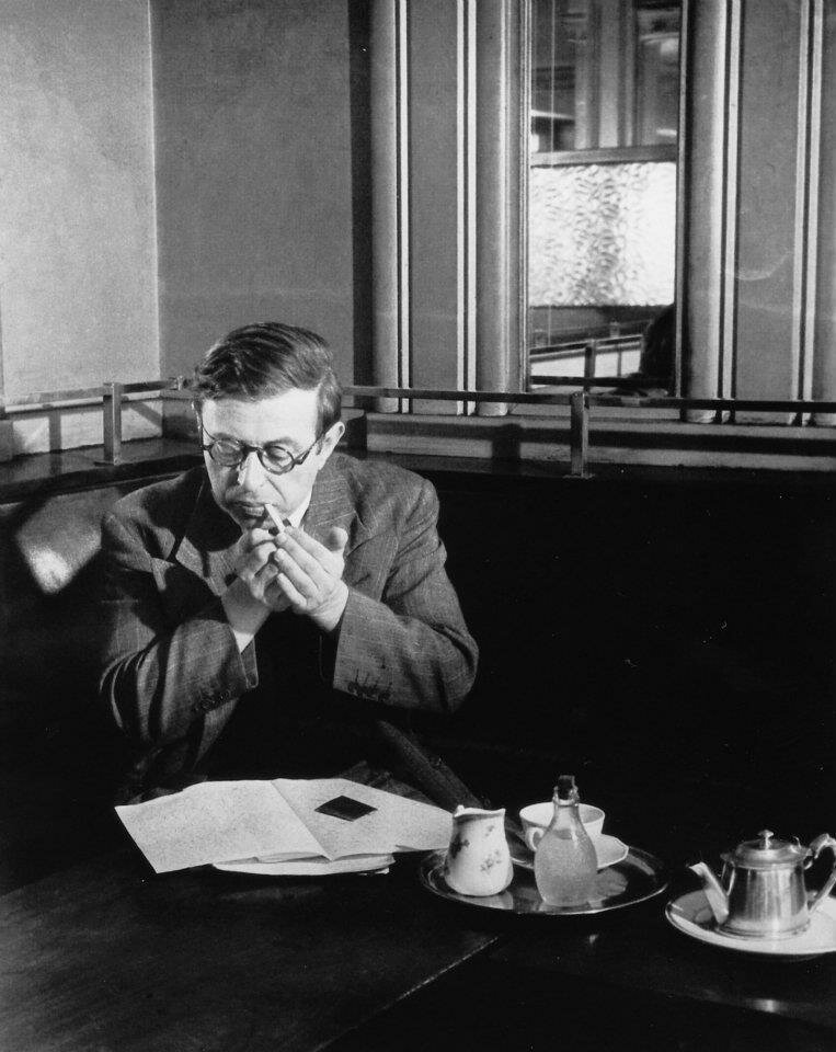 1945. Жан-Поль Сартр, Кафе де Флор