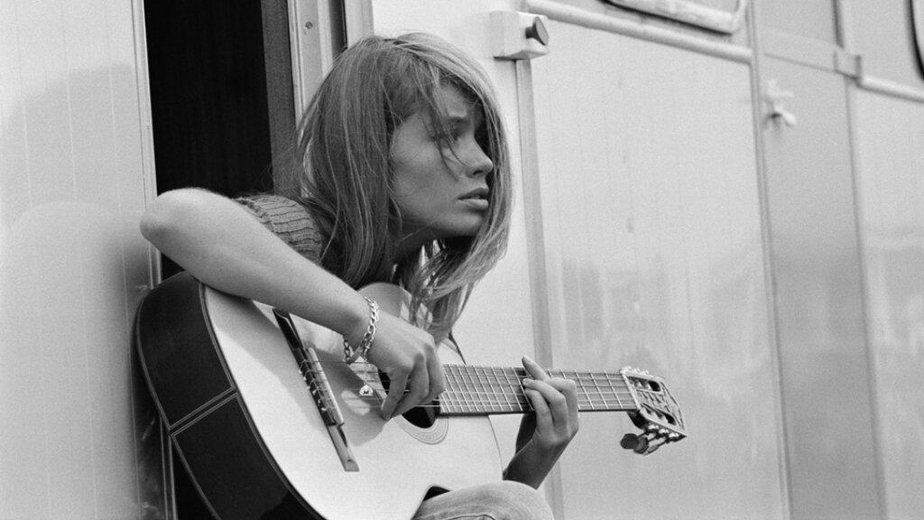 francoise_hardy_guitar.jpg