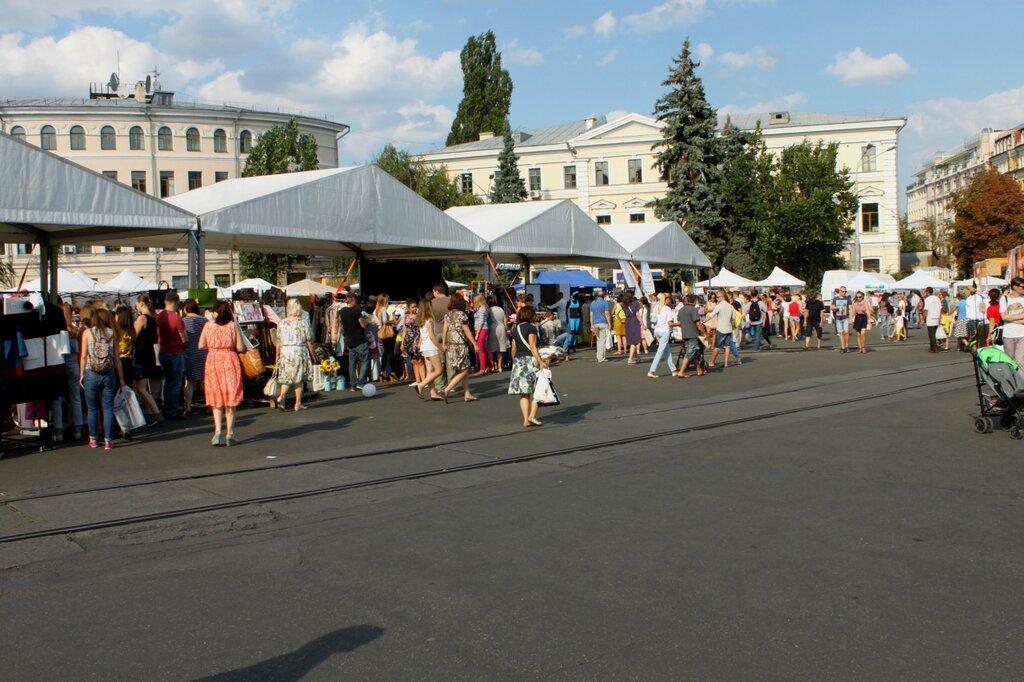 Выставка украинских товаров на Контрактовой площади