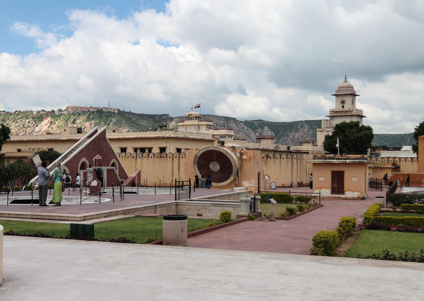 Фото 24.1. Обсерватория в Джайпуре. Наш отдых в Индии.