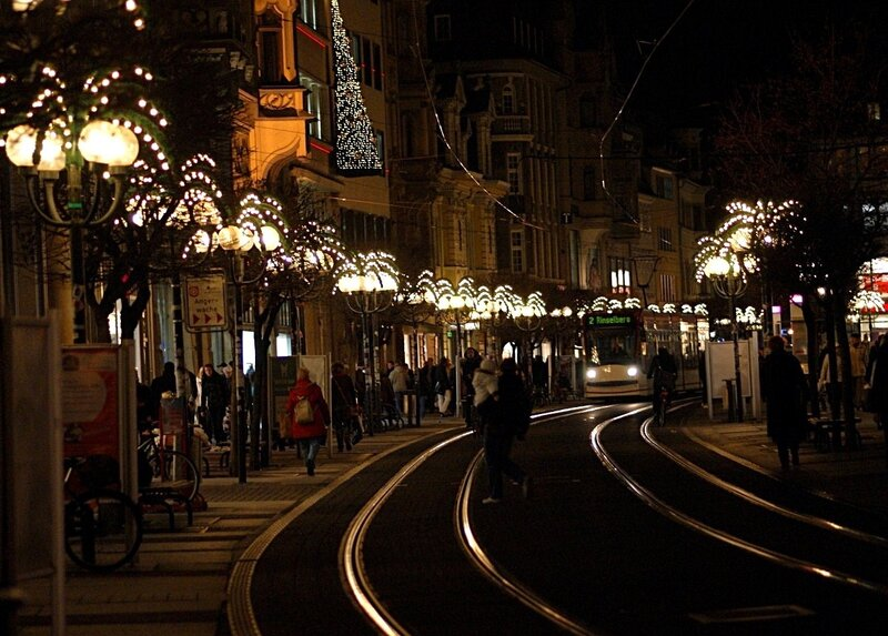 Вечерний Эрфурт в рождественских огнях