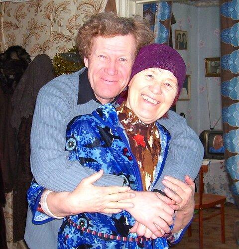 Мама и братик Олег