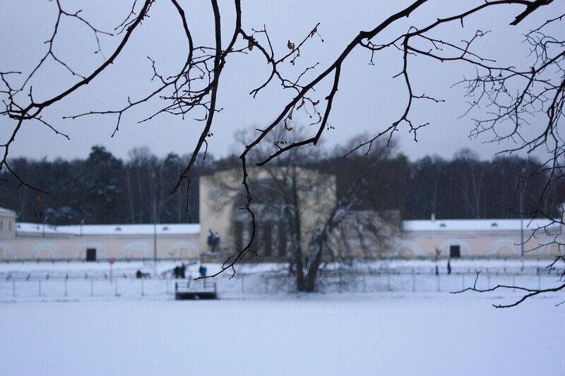 Сквозь  зимние ветви. Музыкальный павильон
