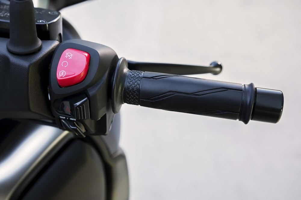 Скутер Yamaha X-Max 400 2018