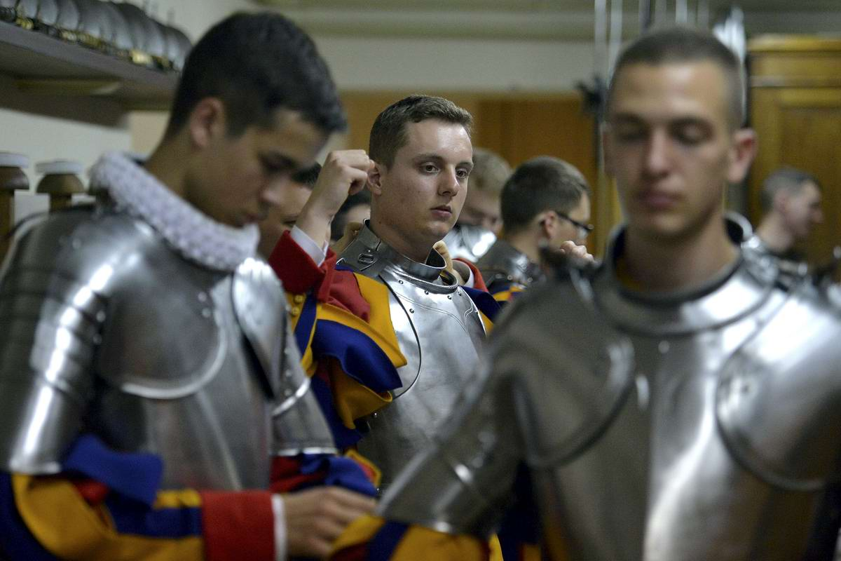 Швейцарская гвардия Ватикана: Новобранцы присягают на верность Папе Римскому (4)