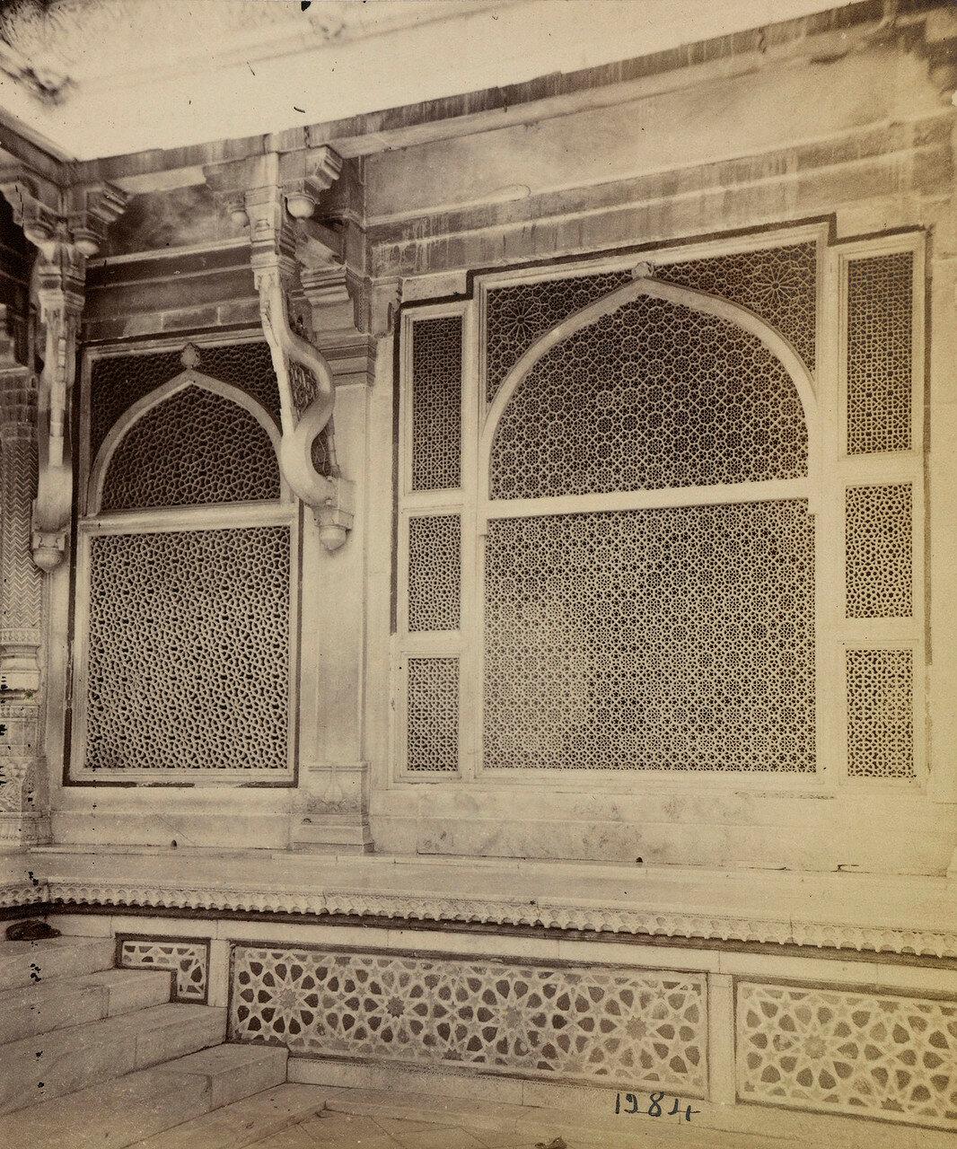 68. Мраморные перегородки в мавзолее шейха Салима Чишти