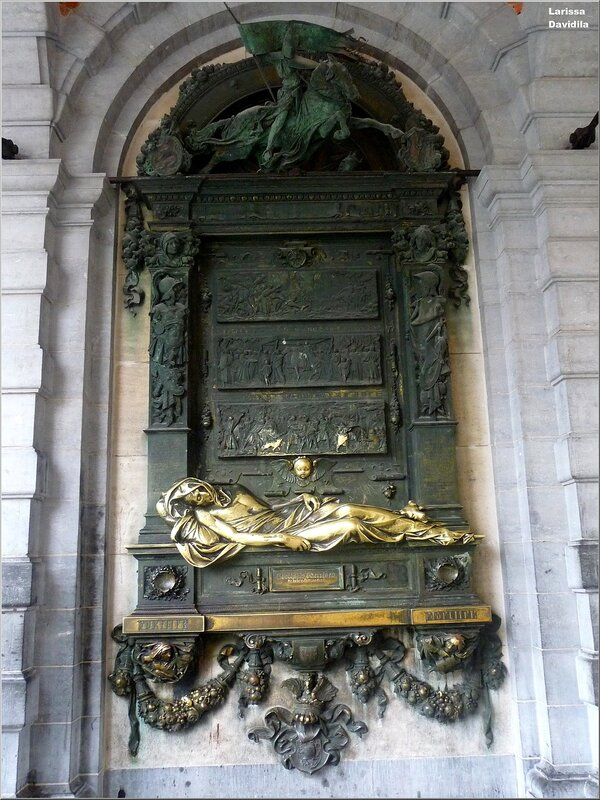 Статуя Эверарда Серкласа.