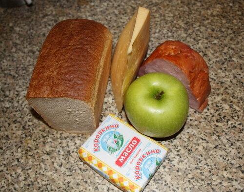 Продукты для бутерброда с ветчиной