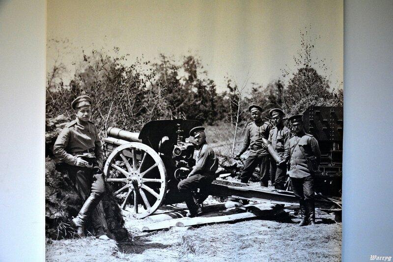 Фотография русского полевого орудия и его расчёта