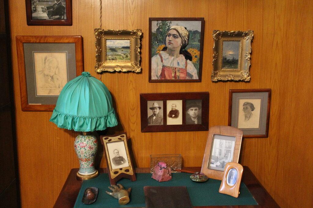 Рабочий столик С.В.Павловой