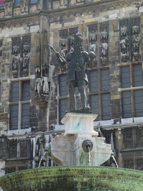 Статуя Карла Великого. Аахен.