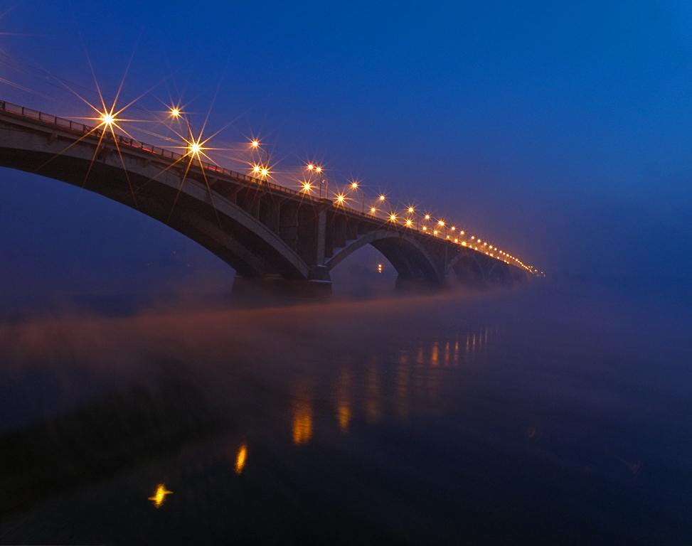 Вечерний туман стелется над Енисеем