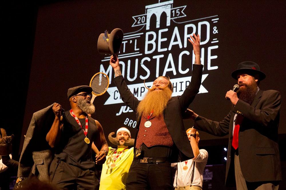 Чемпионат усов и бород в Нью-Йорке (17 фото)