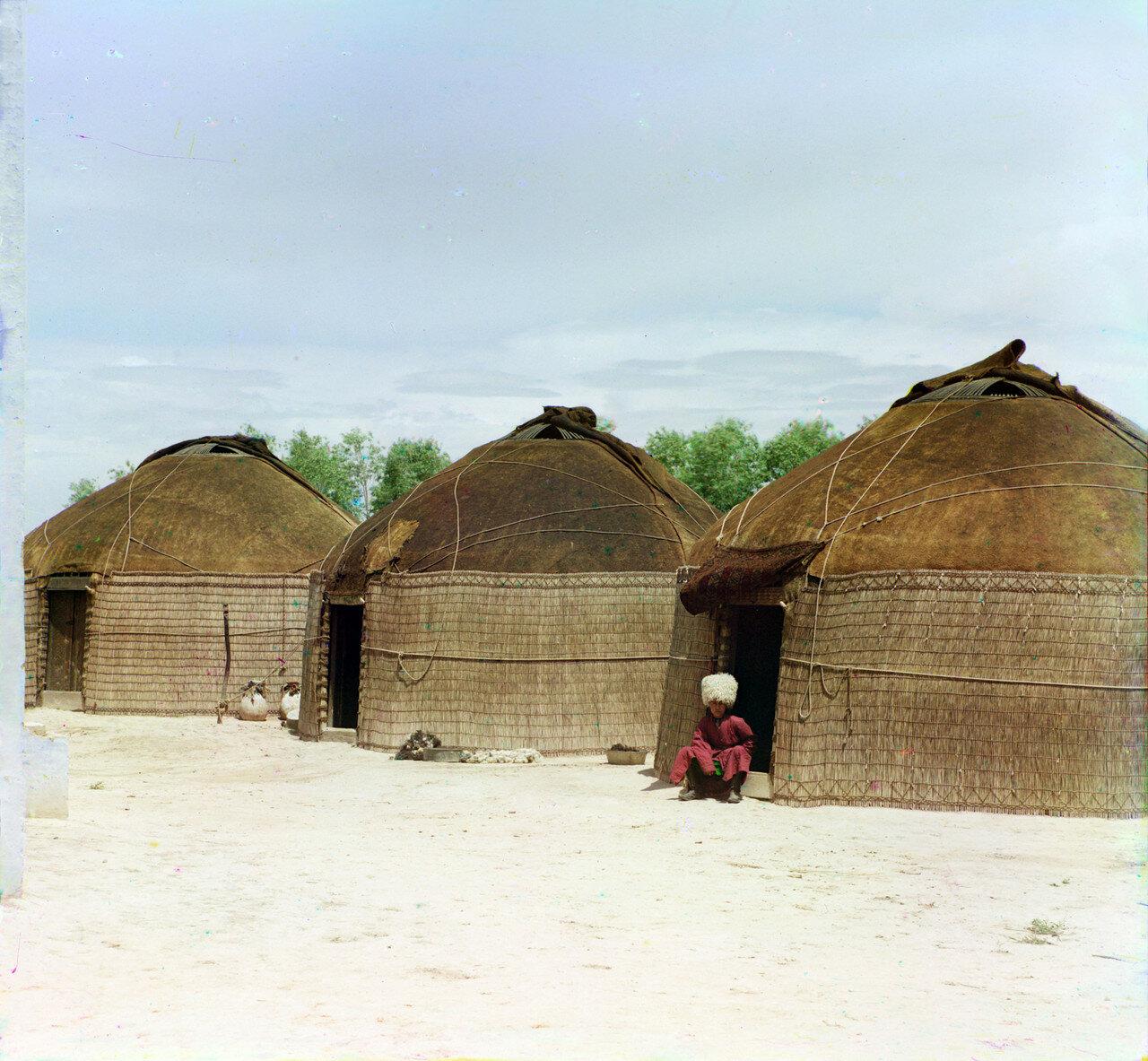 Окрестности Мерва. Близ Байрам-Али. Текинские кибитки