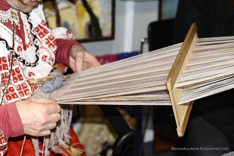 Тканье на бердечке