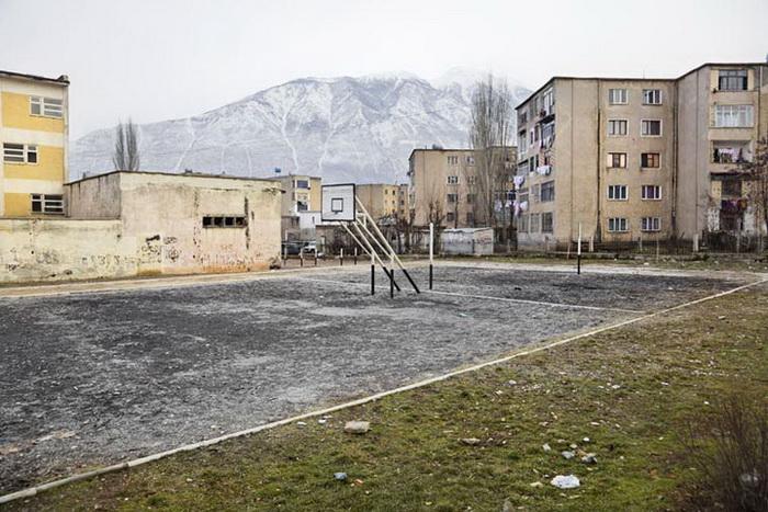 Очень выразительный фотопроект «Повседневная Албания» от Фредерика Байкса (Frederik Buyckx)