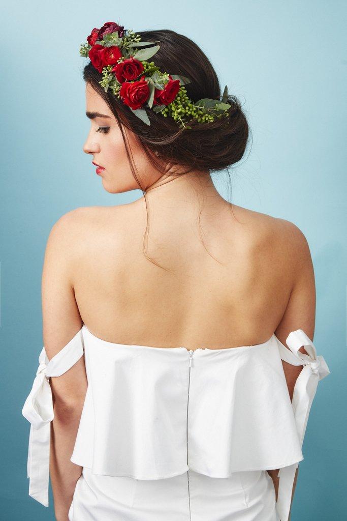 свадебные-прически-с-цветами26.jpg
