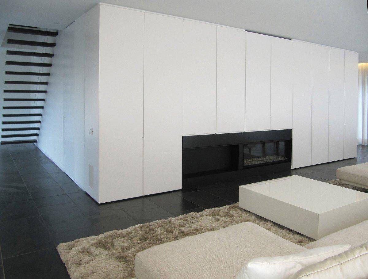 DE JAEGHERE Architectuuratelier, частный дом в Руселаре, особняки в Бельгии, белый фасад дома, дом перфекциониста, дом педанта, белоснежный частный дом