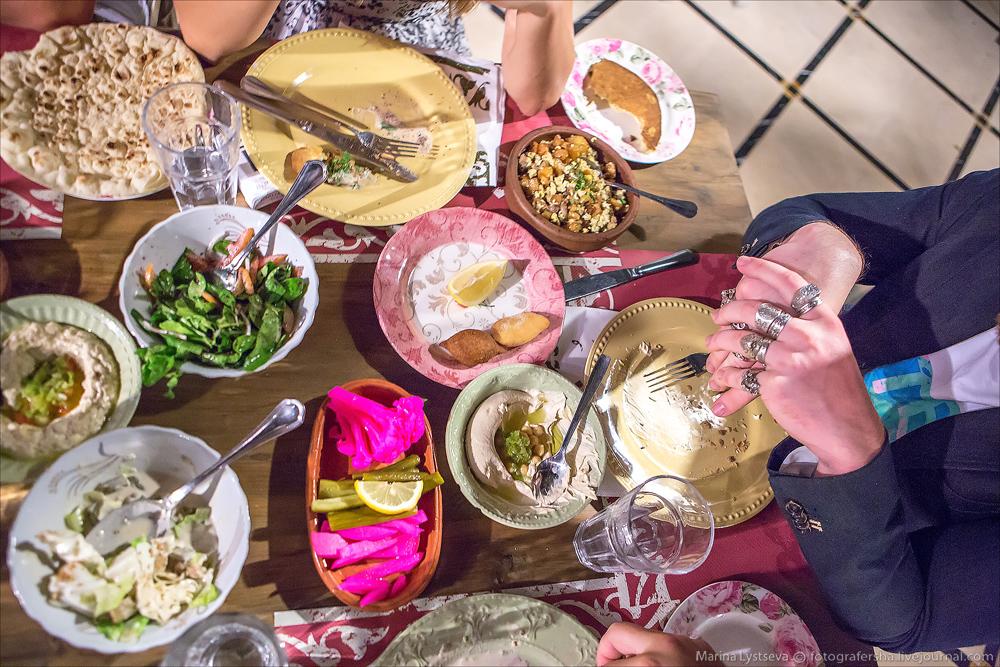 Чем кормят блогеров