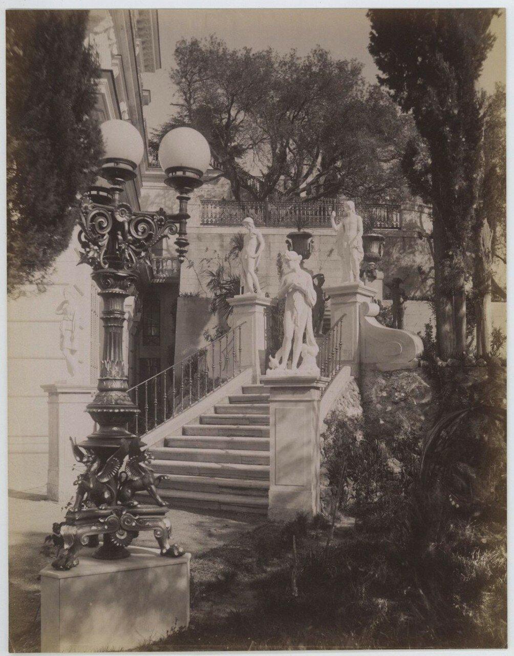 10. Лестница дворца