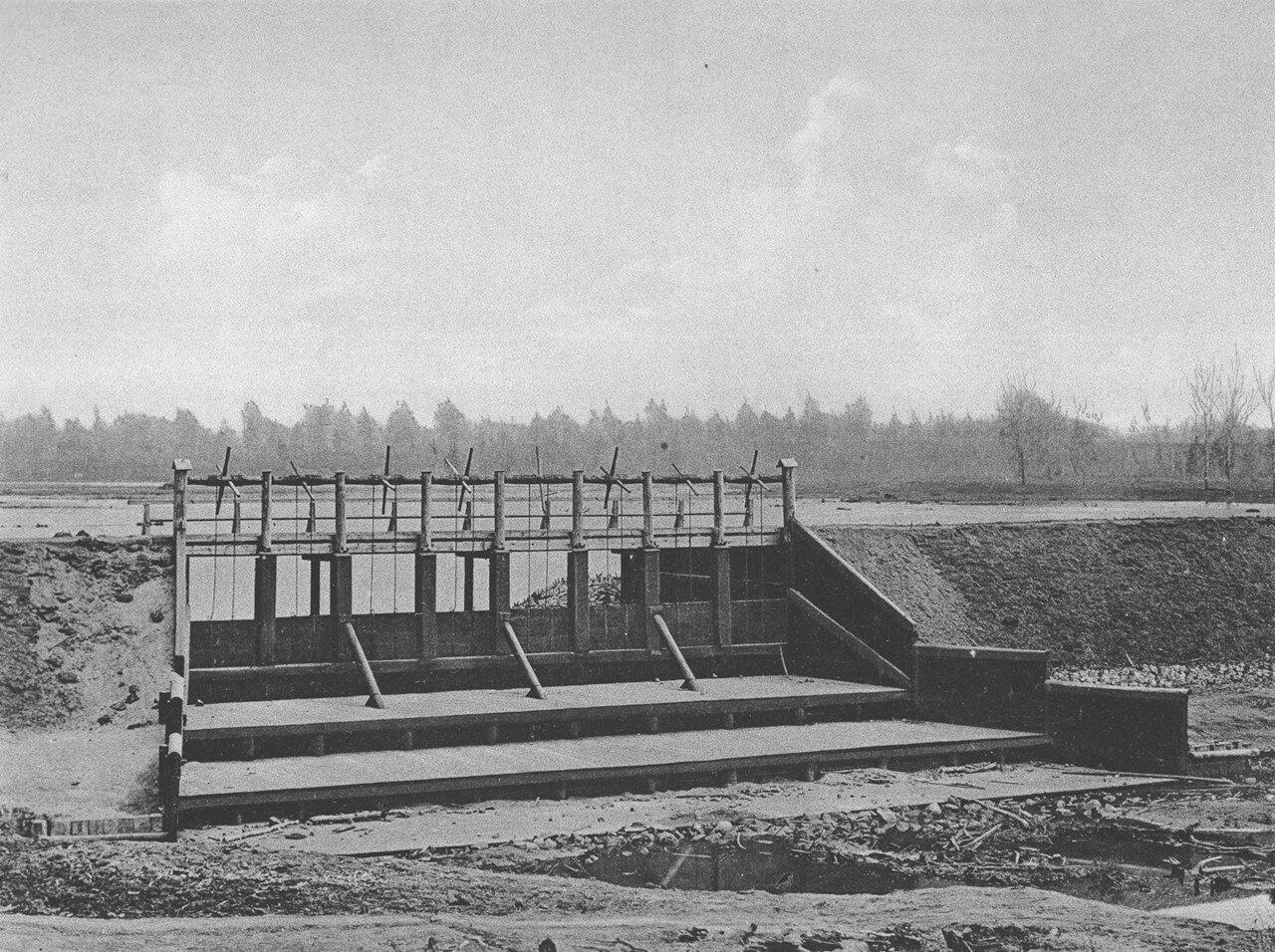 10. 2308 верста. Водослив плотины станции Иланская. Строительный период 1912