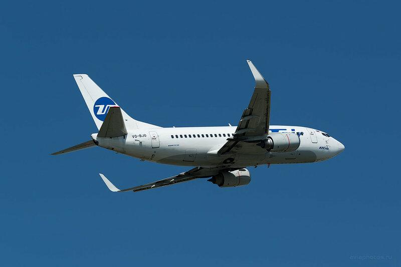 Boeing 737-524 (VQ-BJQ) ЮТэйр D809503