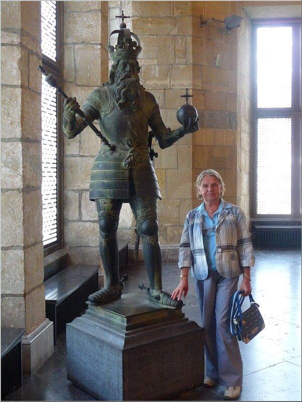 Aachen. ратуша. С Карлом Великим.