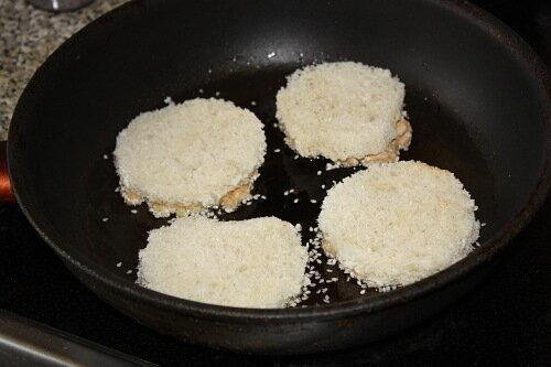 тосты на сковороде