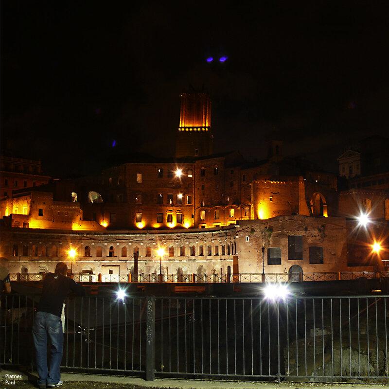 Античный Рим ночью...