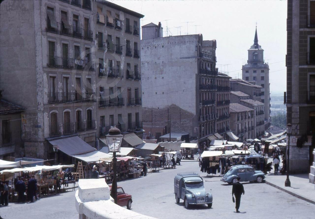 Citroen & VW Beetle at Rastro Market Madrid Spain 1960s.JPG