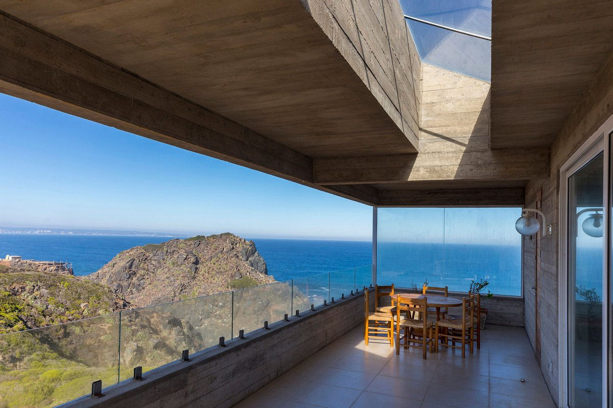 Gubbins Arquitectos, дома чили, дом на вершине горы, дом на скале, потрясающий вид из окон, дом с видом на океан, The Mirador House