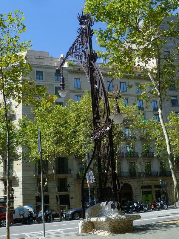 Барселона, улица Грасиа (Barcelona, Gracia street)