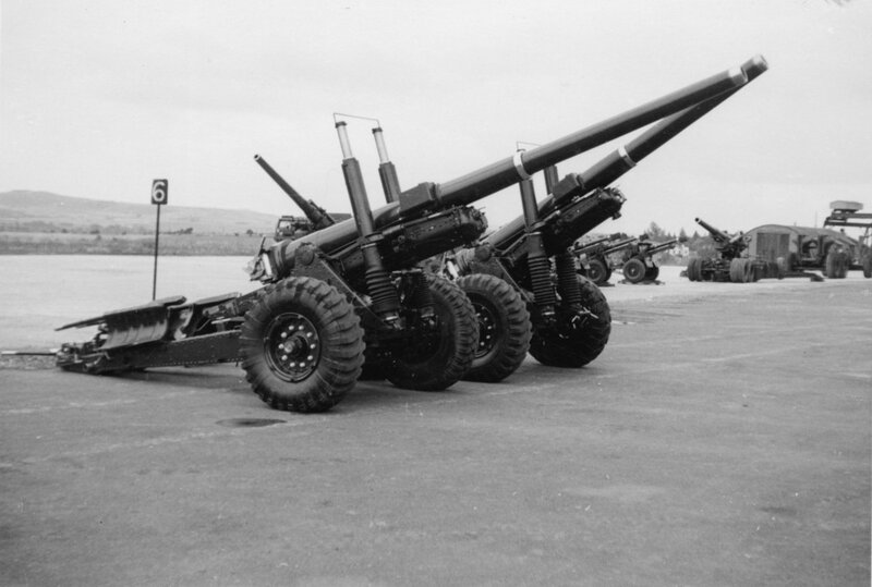 Royal School of Artillery, Larkhill; gun park; 4.5-inch and 5.5-inch guns. [P1-386-1846]  http://uhcl.recollect.co.nz/nodes/view/1043#idx946