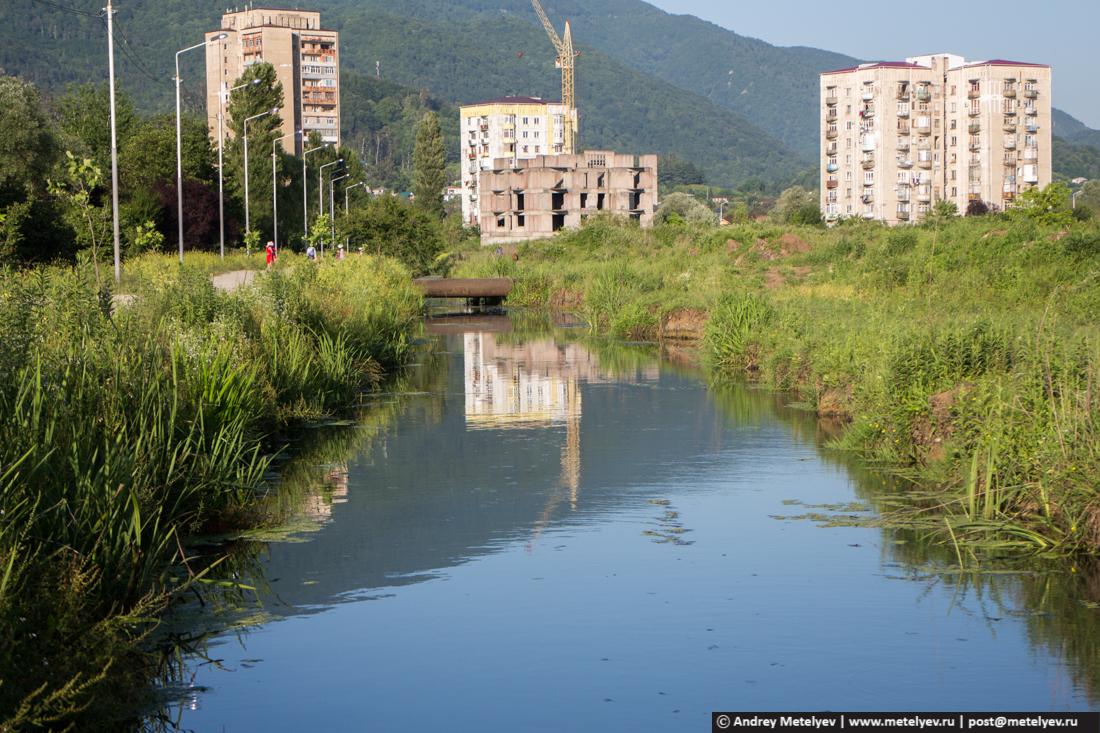 Канал для поливки полей
