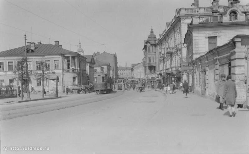 Волхонка, 1931 г. Вид в сторону Кремля