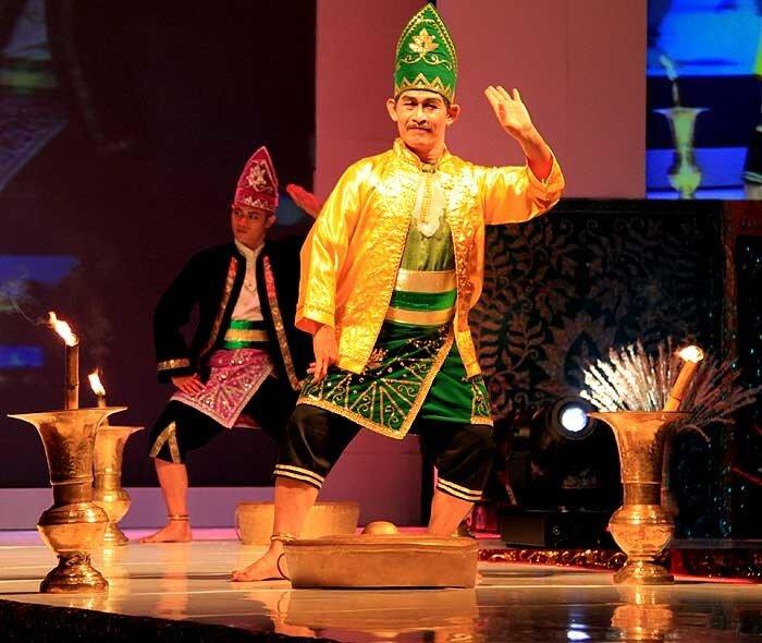 Банджарский военный танец Baksa Dadap