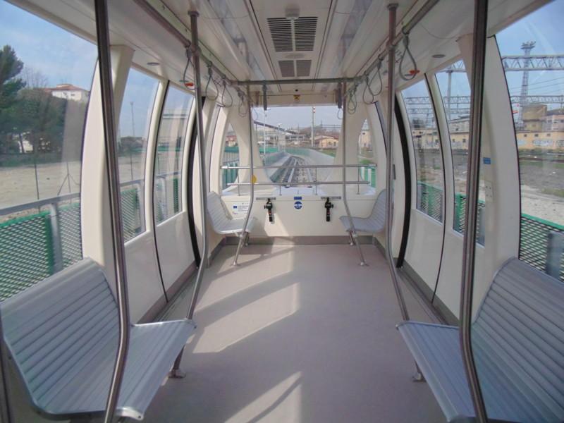 И напоследок меня сильно порадовало мини метро в аэропорт Пизы с ж\д вокзала. Вагон без машиниста! П