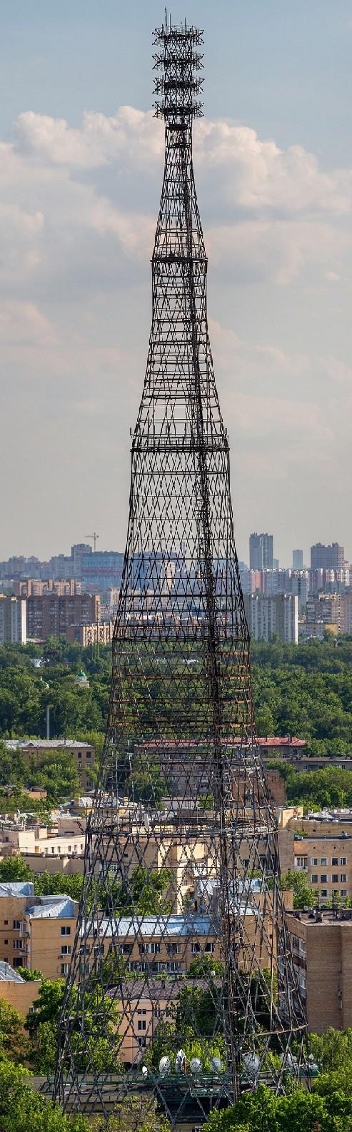 Строительство башни велось без лесов и подъемных кранов. Верхние секции по очереди собирались внутри