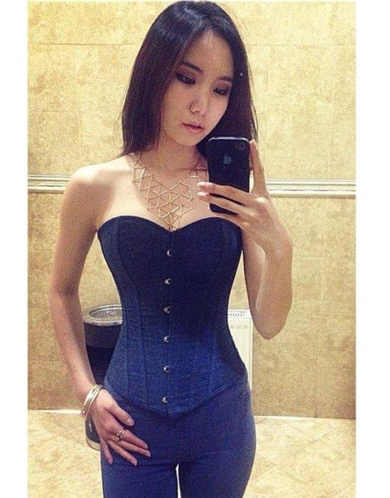 Монгольсике девушки из соцсетей