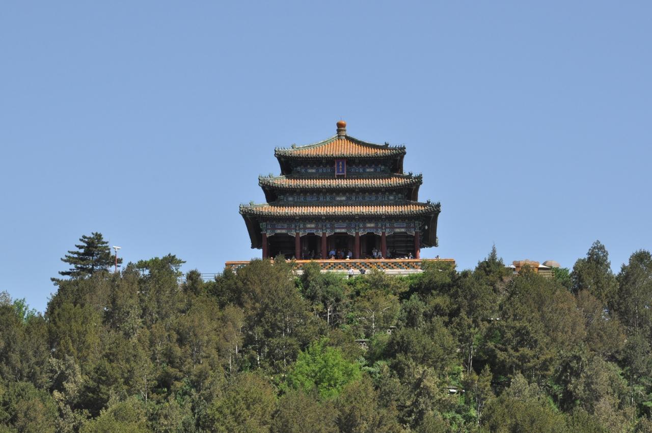 Вид на верхнюю точку парка Цзиншань