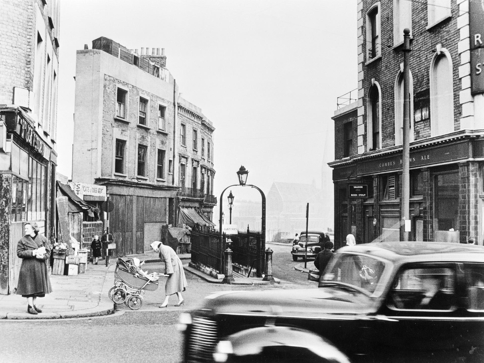 1956. Уличная сцена на Харроу-роуд, Лондон