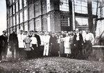 Михаил Иванович Калинин среди рабочих и служащих Дедовской фабрики (1925 г.)