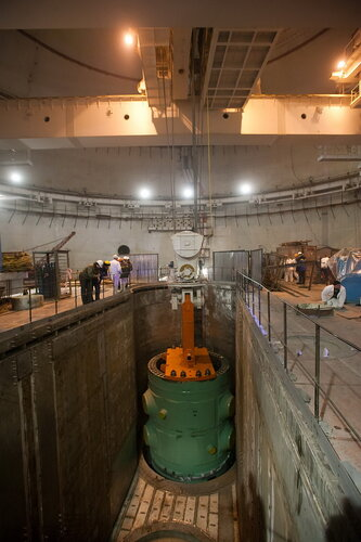 Установка корпуса реактора ВВЭР-1000 на штатное место