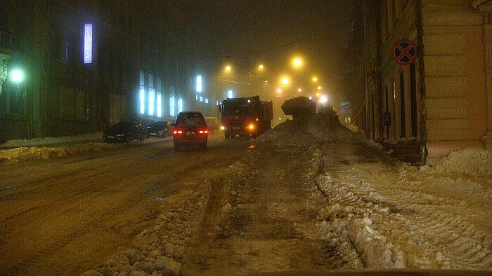 Владивосток, Светланская, уборка снега