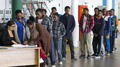 80 тысяч мигрантов будут депортированы из Швеции