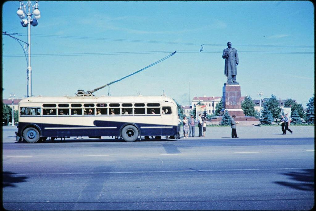 Минск, Центральная площадь 1960а.jpg