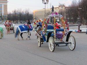 Катание на лошадях и в карете - Новый год в Великом Новгороде