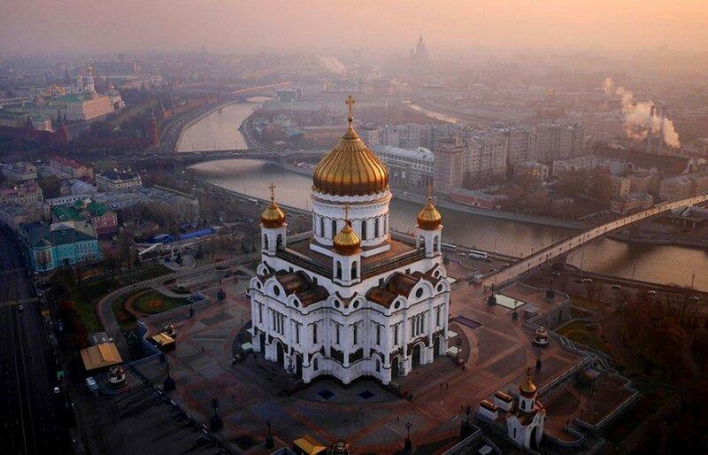 Храм Христа Спасителя (фото с помощью беспилотника)