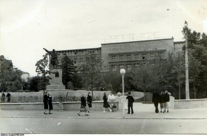Памятник Минину.jpg